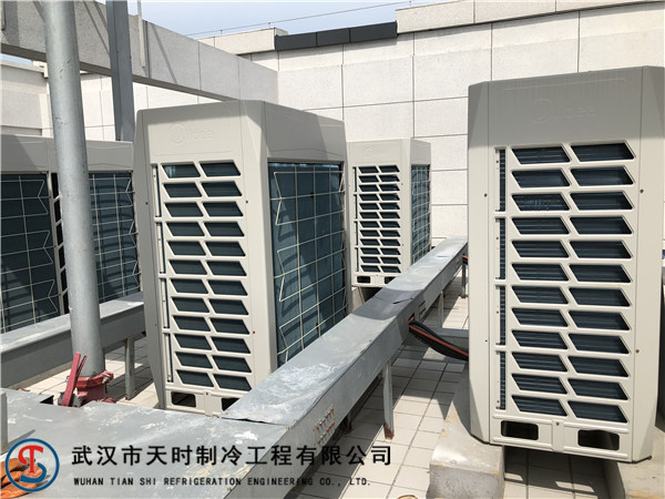 武漢中央空調和普通空調哪個好